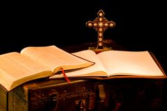 教会传教士宗教用品葡萄酒 免版税库存图片