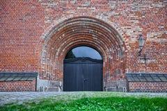 教会入口在吕贝克,德国 免版税库存图片