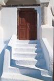 教会入口希腊台阶 免版税库存照片