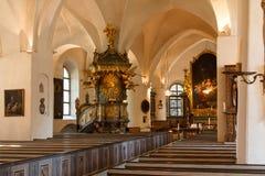 教会内部在中心 库存图片