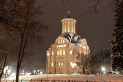 教会冬天 圣诞节城市神仙的拉脱维亚晚上地方上的短期相似的传说 免版税库存图片
