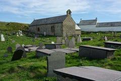 教会和坟园 免版税库存图片
