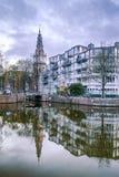 教会和大厦在阿姆斯特丹,荷兰 库存照片