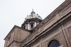 教会圆顶在罗马 库存图片
