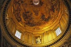 教会圆顶gesu金黄意大利罗马 免版税图库摄影
