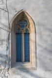 教会圣克罗斯,德温,布拉索夫, S的哥特式窗口 免版税库存图片