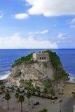 教会圣玛丽亚dell& x27; isola在特罗佩亚 卡拉布里亚 意大利 免版税库存图片