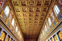 教会圣玛丽亚Maggiore的主要穹顶完全地散布与纯净的金子 免版税库存照片