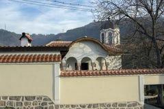 教会圣约翰浸礼会教友在布拉齐戈沃,帕扎尔吉克历史镇地区, Bulgari 免版税库存照片