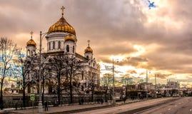 教会在云彩下的莫斯科 免版税库存照片