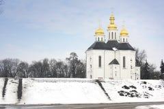 教会在冬天公园 免版税库存图片