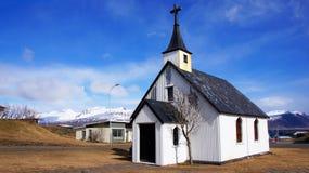 教会在冰岛的Djupivogur 库存照片