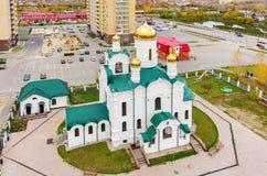 教会在吐拉住宅区 秋明州 俄国 免版税库存照片