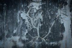 教会在闪电自然老照片被采取的墙壁里面的克罗地亚grunge是 免版税库存图片
