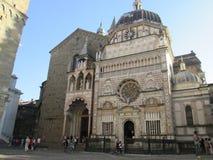 教会在贝加莫,意大利 库存图片