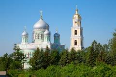 教会在Diveevo妇女的修道院里 库存图片
