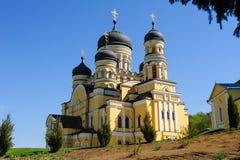 教会在Hancu修道院里,摩尔多瓦 免版税库存图片
