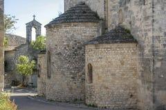 教会在La加尔德角Adhemar中世纪村庄  库存照片
