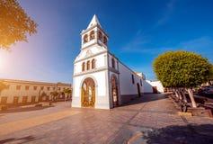 教会在Puerto del在费埃特文图拉岛海岛上的罗萨里奥市 图库摄影