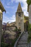 教会在Seguret 免版税库存图片
