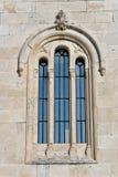 教会地中海视窗 免版税库存照片