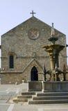 教会城市喷泉罗得斯 库存图片