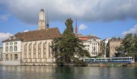 教会城市都市风景时钟表盘最大的彼得s st瑞士塔世界苏黎世 免版税库存图片