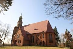 教会多布拉有历史的nesr老波兰wroclaw 库存照片