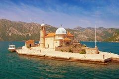 教会夫人我们的岩石 海湾kotor montenegro 免版税库存图片