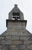 教会尖顶的研究与响铃的 库存照片