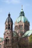 教会尖顶 库存图片