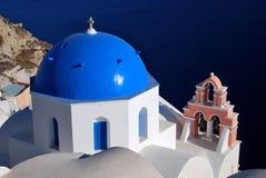 教会希腊传统海岛的santorini 库存图片