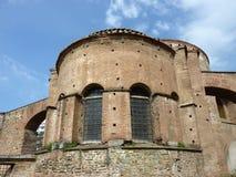 教会希腊圆形建筑的salonica 免版税库存图片