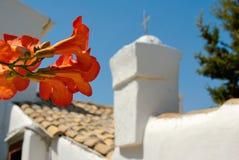 教会希腊屋顶 免版税库存图片