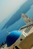 教会希腊视图火山 库存图片