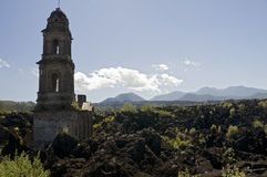教会损坏的墨西哥 图库摄影