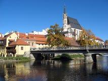 教会捷克krumlov城镇科教文组织 免版税库存照片