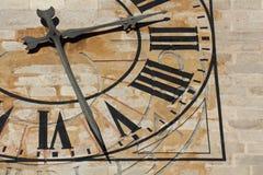 教会时钟 免版税图库摄影