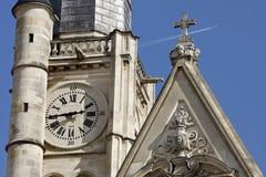 教会时钟etienne老圣徒墙壁 图库摄影
