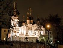 教会晚上视图 免版税库存图片