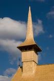 教会木屋顶的尖顶 免版税库存照片