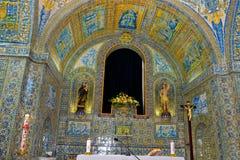 教会法坛艺术,葡萄牙手工制造瓦片,宗教寺庙纹理 免版税库存图片