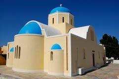 教会海岛santorini视图 库存图片