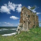 教会海岸废墟看见 库存照片