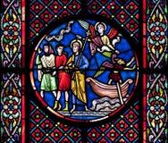 教会玻璃nectaire圣徒被弄脏 免版税库存照片