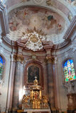 教会的内部在Sternberk,摩拉维亚 库存照片
