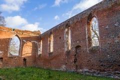 教会的哥特式废墟 免版税库存照片