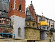 教会的圆顶在克拉科夫老  免版税库存照片