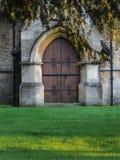 教会的大木门 库存图片