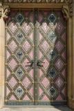 教会的葡萄酒门 免版税图库摄影